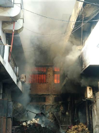 Fire breaks out in cloth factories in Ludhiana