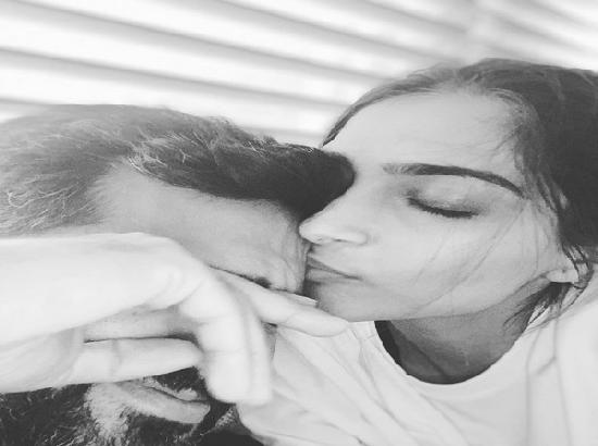 Sonam shares adorable monochromatic picture with Anand amid self-quarantine
