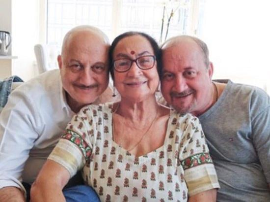 Anupam Kher's mother, brother test positive