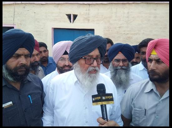 Pics Speak : Parkash Singh Badal visited various villages in Lambi constituency