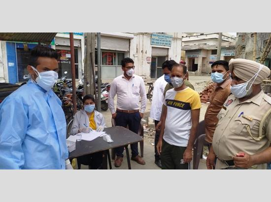 Health Deptt intensifies COVID tests, takes samples of 80 persons working on shops