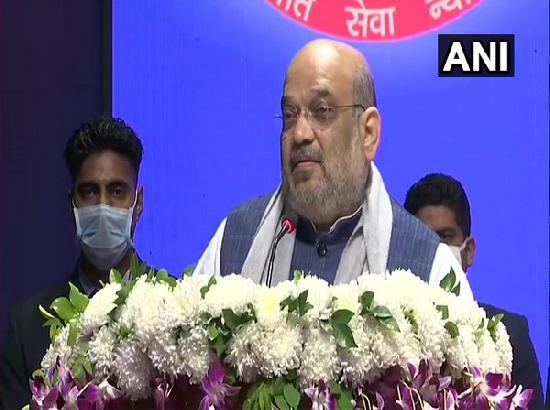 Amit Shah lauds Delhi Police for work during COVID-19 lockdown