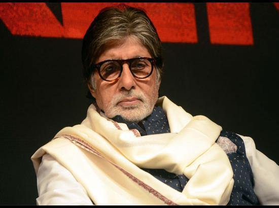 Amitabh Bachchan returns home after testing negative; Abhishek to remain in hospital