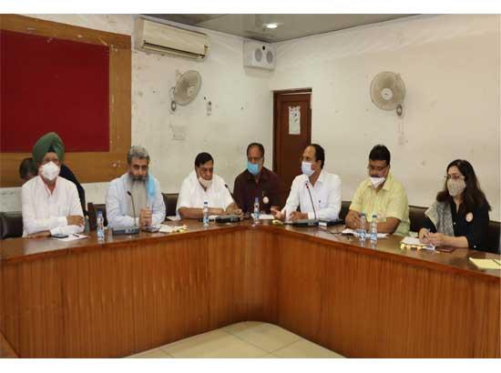 Ashu holds review meeting with NHAI officials