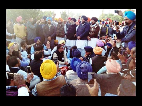 Sukhbir Badal demands  withdrawal of false cases against SAD leaders, workers