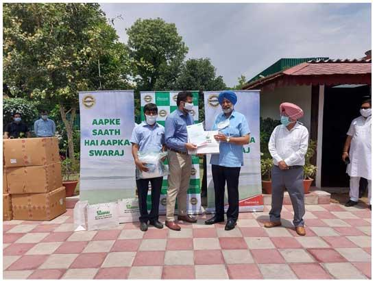 Balbir Singh Sidhu lauds noble gesture by Swaraj Tractors to hand over 500 PPE Kits for c