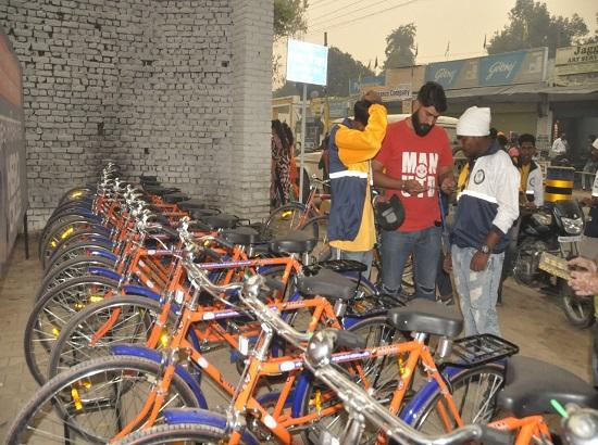 Free bicycles become hit amongst devotees at Sultanpur Lodhi
