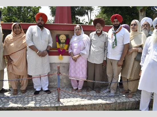 Bittu's mother pays tributes to martyr Hunjan on his 24 death anniversary