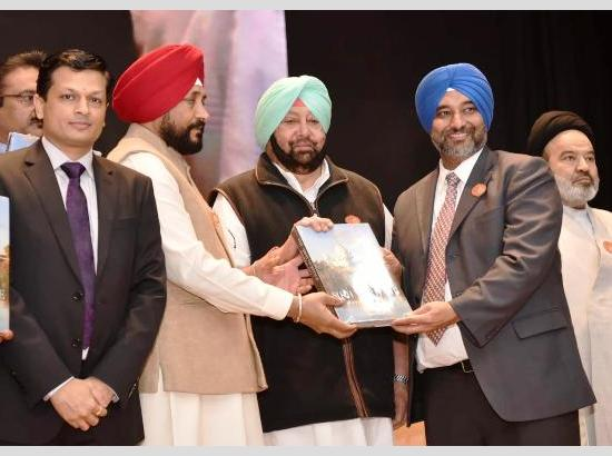 Capt Amarinder honours over 400 eminent personalities with 'Achievers Award'