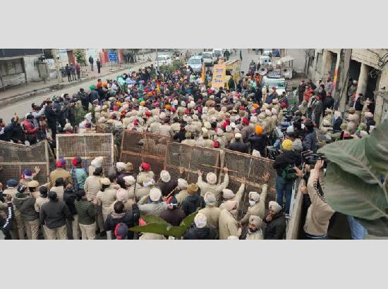 Jalandhar Commissionerate Police successfully averts clash between farmers and BJP leaders