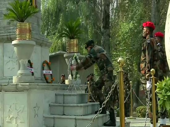Chinar Corps pays tributes to fallen soldiers in Srinagar on 74th Infantry Day