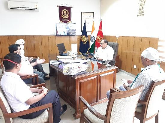 Divisional Commissioner Reviews COVID Situation, Holds Meeting with Civil Surgeon and Medi