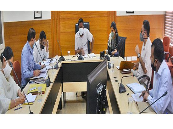 Mohali Deputy Commissioner reviews work of revenue offices