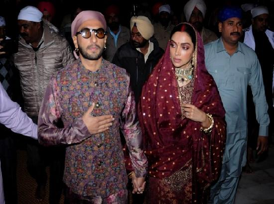 Ranveer, Deepika offer prayers at Golden Temple