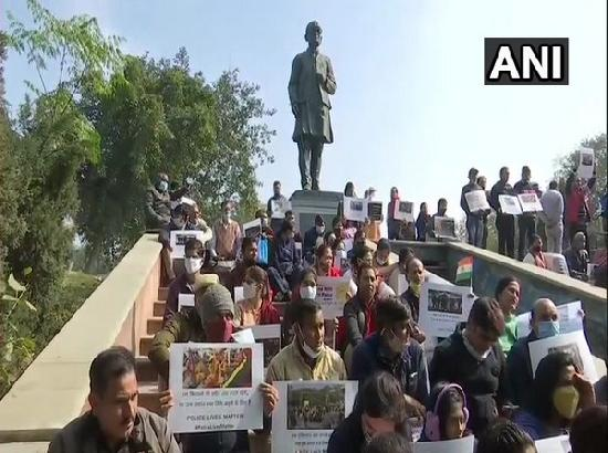 Delhi Police, families of injured personnel stage protest against Jan 26 attack