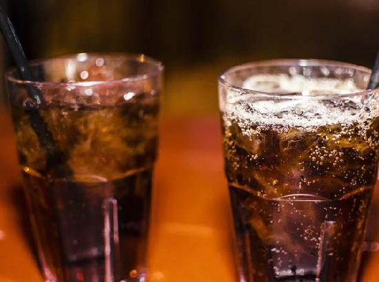 Artificially sweetened drinks may not be healthier than sugary drinks