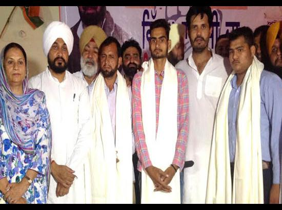 Badal should honour commitments made to families of martyrs: Channi