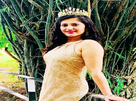 Beauty Queen, North India Dr. Ranjana Sharma interacts with Aryans students