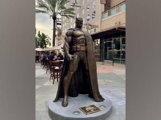 DC unveils new Batman statue in Burbank