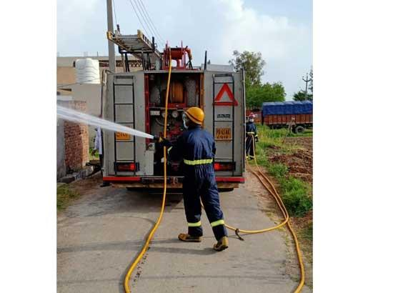 Biggest fire tender of Punjab with 4000 litre capacity pressed into service for Sanitizati