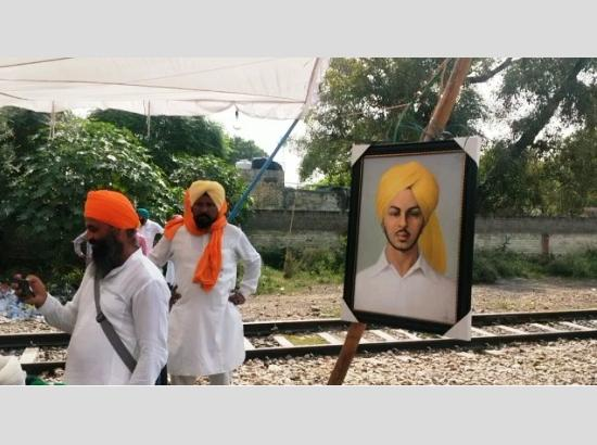 Farmers dedicate protest to Shaheed Bhagat Singh, announce to continue agitation till Oct.