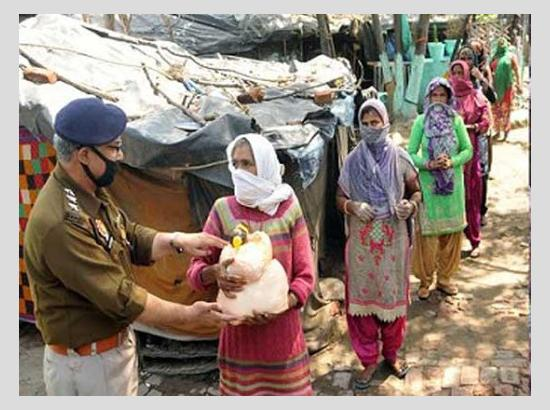 MLA Pargat Singh ,Beri ,Rinku,Laddi I and Chaudhry ensure food for needy during Curfew