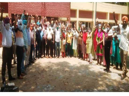 PCMS Association, village panchyats & multipurpose health workers condemn and protest the