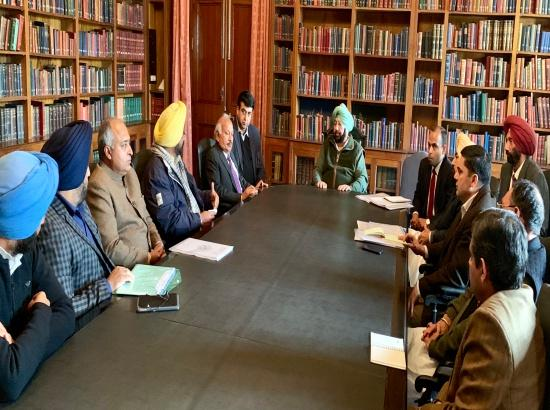 Captain meets Congress MLAs to know about status of development works