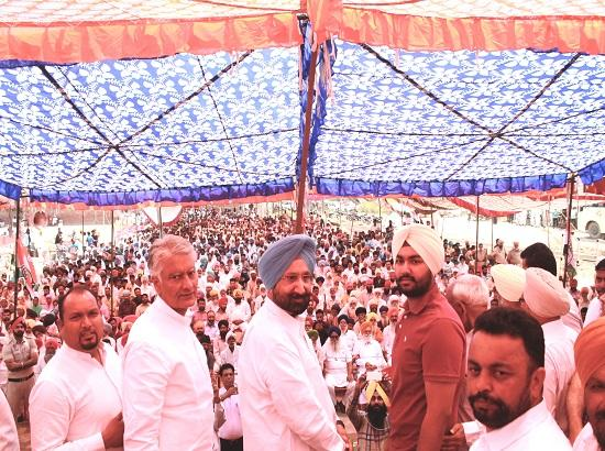 Jakhar slams BJP led Union Govt. for step motherly treatment to Punjab