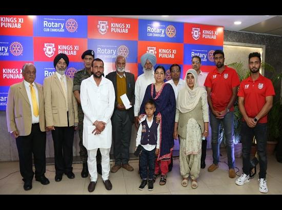Rs 25 lakh aid to Pulwama martyrs' kin by Kings XI Punjab and Rotary Club, Chandigarh