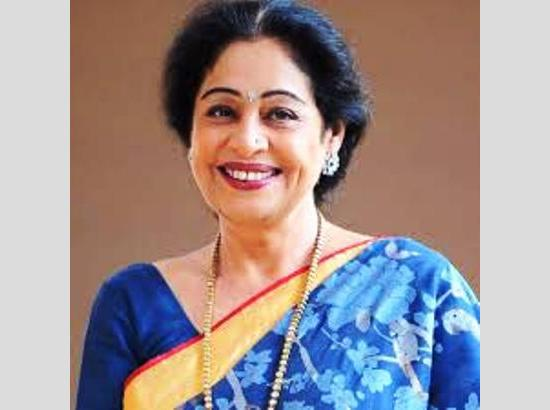 Kirron Kher congratulates doctors, staff on discharge of COVID-19 patient