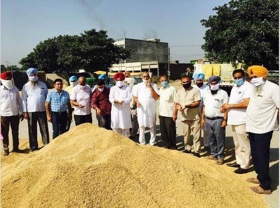 Kuljit Nagra inaugurates procurement process of paddy