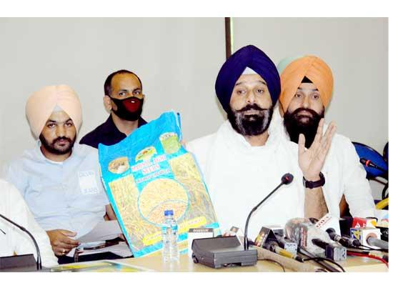 SAD demands independent inquiry into seed scam run by close associate of minister Sukhjind
