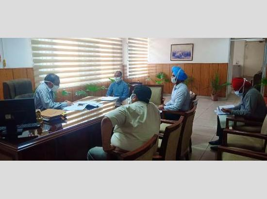 Divisional Commissioner Chander Gaind takes stock Of COVID-19 after spike in cases