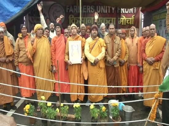 Buddhist monks lend support to farmers' agitation