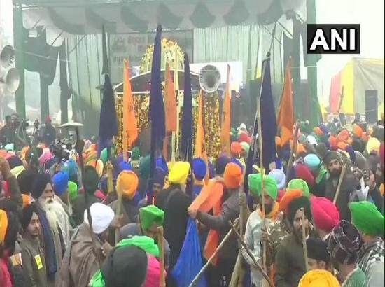Nagar kirtan, turban langar organised at Singhu border