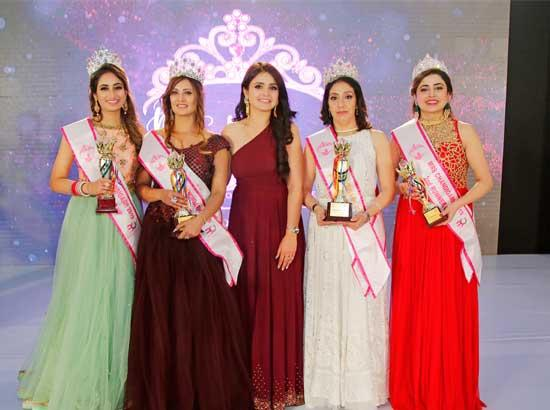 Asmita Garg crowned 'Mrs. Chandigarh- A Woman of Substance'
