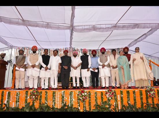 New Punjab ministers sworn-in, Aruna and Razia also get Cabinet status