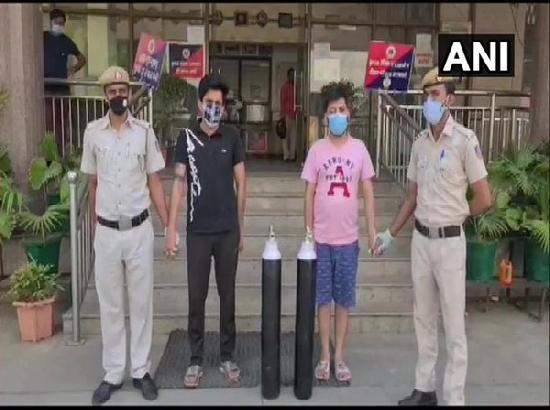 Two held for black marketing of oxygen cylinders in Delhi