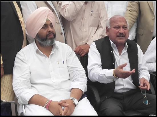Akali- BJP playing with sentiments of the youth of Punjab: Brahm Mohindra