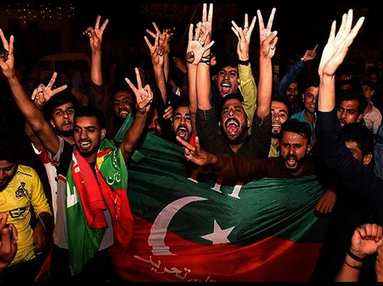 Imran's PTI celebrates even as Pakistan heads towards hung assembly