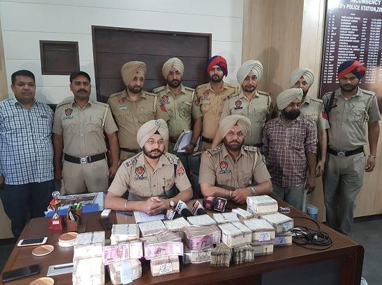 Zirakpur Police confiscates Rs. 55 lac from Private Bus