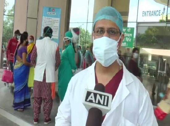 Civil Hospital doctors stage protest against inferior quality of masks in Ludhiana