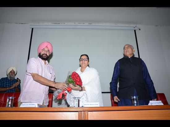 Razia Sultana inaugurates Golden Fitness Centre at GNDU