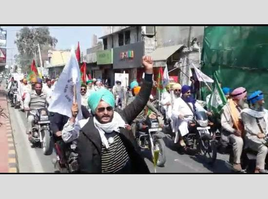SAD(A) organizes 30-km Motorcycle Rally in Ferozepur to support  farmer's protests