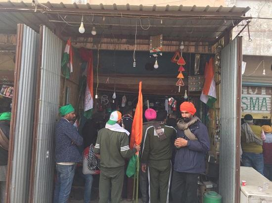 Tractor March in Delhi: Local shopkeepers see bumper sale of tractor accessories & decorat