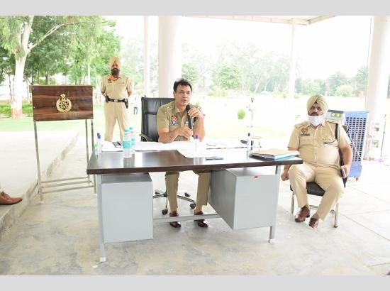 SSP directs police officers to tighten noose against illicit liquor trade