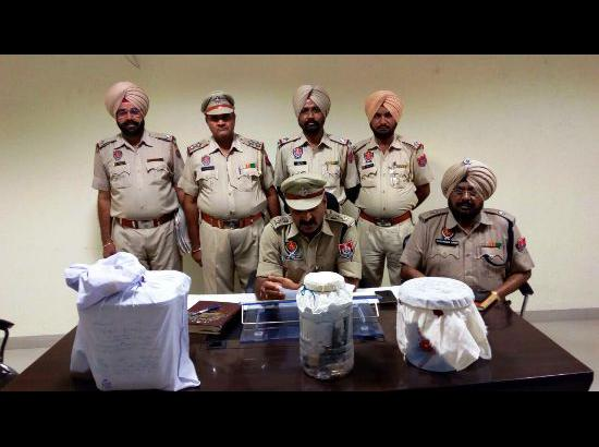 Four arrested under NDPS Act with recovery of pistols and drugs in Fazilka