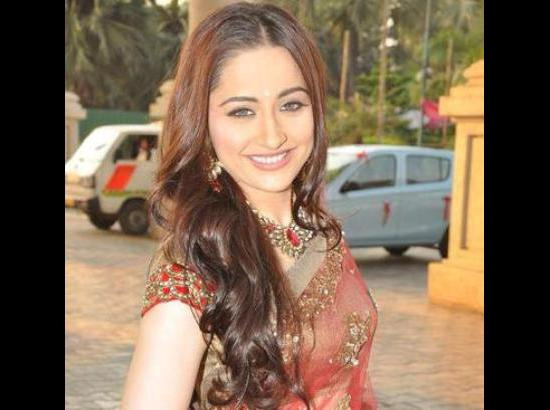 Actress Sanjeeda learns Punjabi for 'Ashke'  (Movie Snippets)