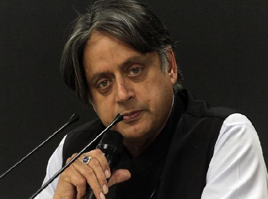 SC stays arrest of Shashi Tharoor & senior journalists over tweets on R-Day Tractor Rally